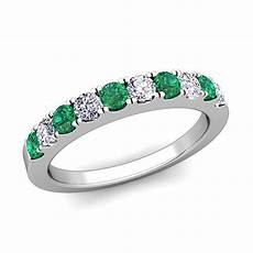 pave diamond and emerald wedding anniversary ring band in 18k gold