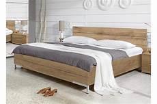 lit chambre lit 140x200 cm pour chambre adulte