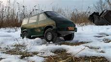 rc vw t4 syncro offroad crawling in the snow