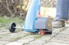 Pflasterfugen Reinigen Elektrisch - unkraut und moos aus pflasterfugen entfernen