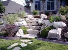 Steine Im Garten - stein treppe und pflanzen im garten moderne haus
