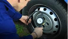 comment gonfler ses pneus comment gonfler ses pneus de voiture en hiver