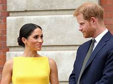 prinz harry und meghan prince harry and meghan markle welcome new addition a