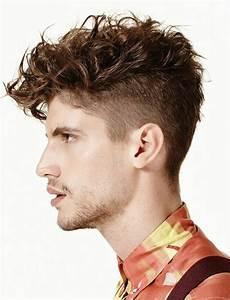 cheveux bouclés homme coupe de cheveux homme boucl 233