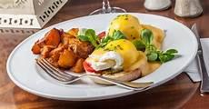 restaurants open easter sunday 2019 where to eat brunch dinner thrillist
