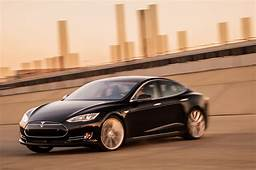 2015 Tesla Model S P85d Front Three Quarter In Motion Photo 4