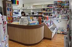 libreria il banco torino arredamenti per negozi scaffalature per negozi pannelli