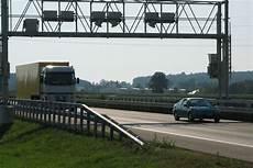 Lkw Maut Schweiz - lkw maut in deutschlands nachbarl 228 ndern truckscout24