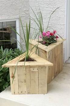 pot de fleur en palette 32 best diy pallet and wood planter box ideas and designs
