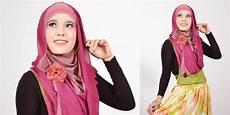 Cara Memakai Jilbab Pashmina Modern 2 Warna