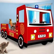 lit pompier but lit enfant design camion pompier avec sommier 192 lattes