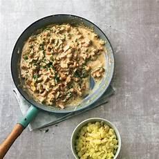 pfifferlinge zubereiten pfanne pilzrezepte wir feiern den herbst brigitte de