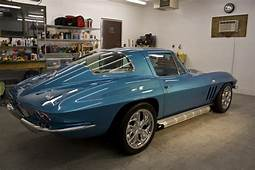 1966 Corvette Sting Ray 427 Gets Wet Sanded And Buffed To