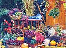 Spectacular Fall Decorations Yard Installations Created Pumpkins Autumn Leaves spectacular fall decorations and yard installations