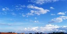 Langit Cerah Siang Ini Dhieianma