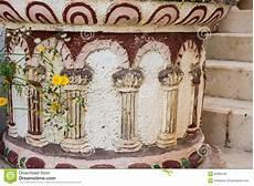 vaso romano antico vaso da fiori di pietra antico pavimento nello stile