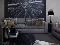 coussin pour canapé gris personnaliser un canap 233 gris fonc 233 avec des coussins