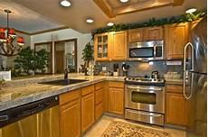 kitchen paint color to match oak cabinets floor that match oak cabinets kitchen oak cabinets for kitchen renovation kitchen design