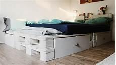 52 Diy Palettenbett Designs M 246 Bel Schlafzimmer Zenideen