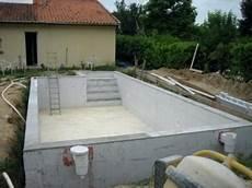 construire une piscine beton soi meme jardin piscine et