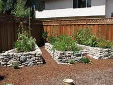 Gartenbeet Mit Steinen Anlegen - raised garden beds block rock materials theo s