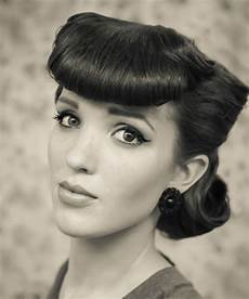 Easy 1950s Hairstyles For Hair 11 easy vintage hairstyles that are a cinch to do we promise