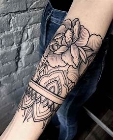 Mandala Arm Frau - 101 ideas and inspirations for a forearm
