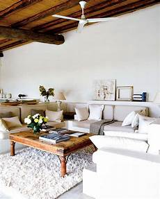Simplicity And A Inviting Design For This Mediterranean Retreat