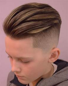 coole frisuren für jungs 1001 ideen f 252 r trendy frisuren f 252 r jungs top trends
