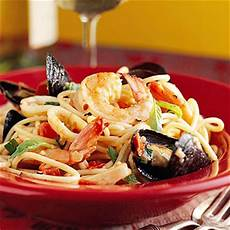 frutti di mare spaghetti frutti di mare midwest living