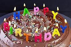 candele buon compleanno candele della torta di buon compleanno immagini stock