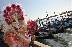 der karneval venedig startet am 4 februar 2012