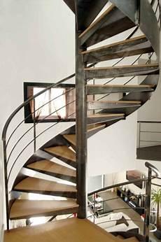 escalier d intérieur design s24 gamme initiale spir d 201 co 174 contemporain d escaliers