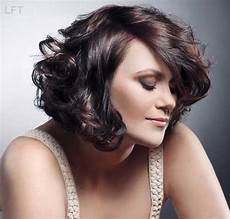15 short haircuts for thick wavy hair