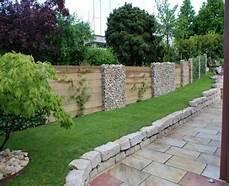Gartenzaun Mit Holz Und Stein Mein Garten Sichtschutz