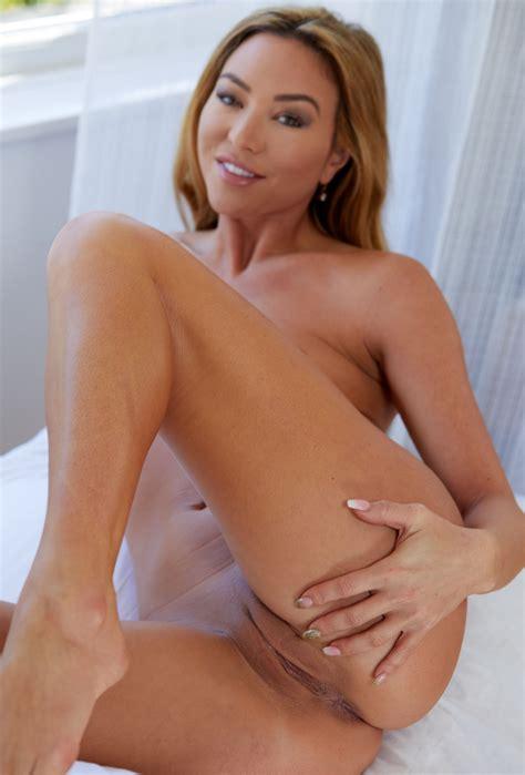 Jessica Moore Nude