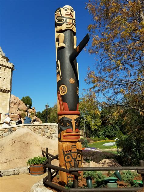 How To Build A Totem Pole