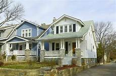 Typisches Amerikanisches Haus - 930 monthly cost to live in the typical american home