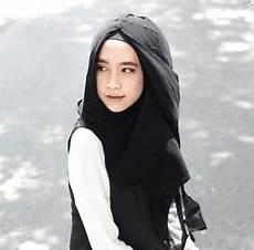 Gaya Jilbab Sederhana Untuk Gadis Usia Sekolah Ethica
