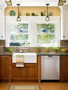 Kitchen Decorating Ideas Oak Cabinets by Decorating With Oak Cabinets