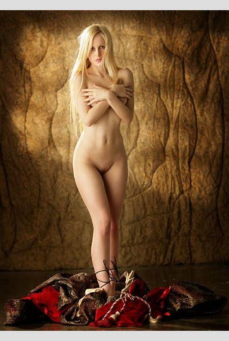 Naked Fantasy Babes, tavia_princess-golden-morning ...