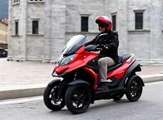 Quadro 4 Le 1er Scooter 224 Quatre Roues En Concession