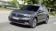 2017 Volkswagen Tiguan R Line Front Three Quarter Hd