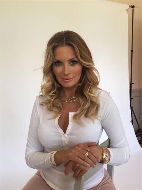 Carolina Gynning Sexy