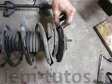 changer amortisseur avant 206 remplacement des amortisseurs avant peugeot 205 iem tutos