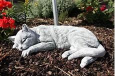 steinfigur katze schlafend gross frostfest garten deko