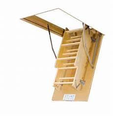 Fakro Escalier Escamotable Lws Plus Avec Une Echelle En Bois