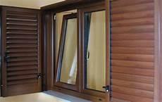finestre e persiane foto infissi in alluminio e pvc effetto legno di la