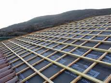pose ecran sous toiture renovation isolation thermique des rants de toit par l ext 233 rieur