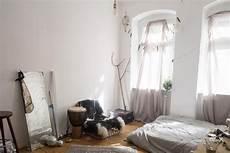 Charmantes Wg Zimmer In Berlin Mit Hohen Fenstern